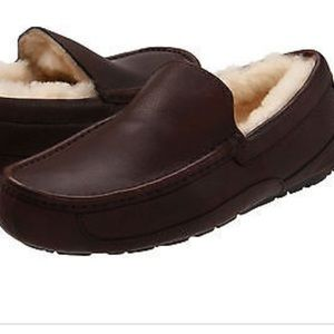 UGG🍁🍂Ascot slippers Mens Sz 10